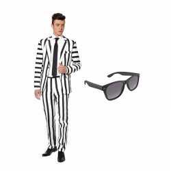 Verkleed zwart wit gestreept print net heren outfit maat 50 lgratis zonnebril