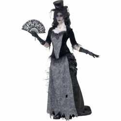 Zwarte weduwe outfit victoriaans
